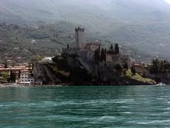 Lake Garda: Malcesine - Scaglieri Castle (Jules T!!) Tags: travel vacation italy 15fav holiday castle vacances garda europa europe italia eu 2008 2009 europeanunion lakegarda evropa