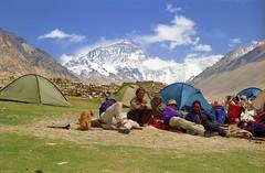 Our campground at Rongbuk (reurinkjan) Tags: 2002 nikon tibet everest rongbuk tingri chomolungma jomolangma ཇོ་མོ་གླང་མ janreurink rongphuchu བོད། བོད་ལྗོངས།