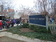 Department of Energy (rho-bin) Tags: washingtondc dc washington january doe 2009 obama crowds inauguration departmentofenergy massexodus independenceave yeswecan 12009 presidentobama