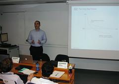 Con Miguel Acosta en clase
