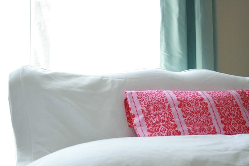 Or pink?  I like the pink pillow, too.
