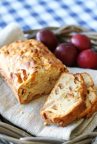 Country Apple Cinnamon Cake