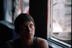 Julie #1 (Ranocchietta) Tags: girl model julie ombre finestra ritratto ragazza modella centrosociale lucecontinua gentediromaromamor acrobax excinodromo ritrattidiof 24maggio2008 4uscitaof
