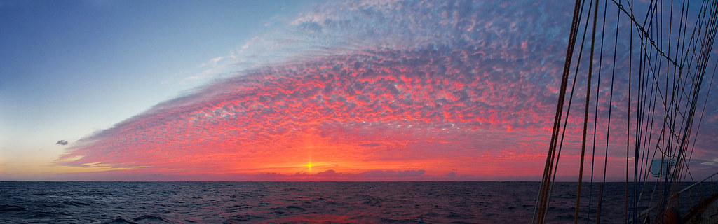 Pogoria - Sunset in a towel [panorama]