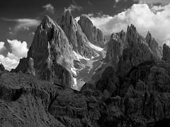 Cadini de Misurina (jtsoft) Tags: bw mountains landscape italia olympus dolomiti e510 rifugioauronzo trecimedilavaredo jtsoftorg zd1260mmswd cadinidemisurina