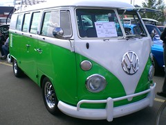 1966 Volkswagen Micro Bus (blondygirl) Tags: car vw volkswagen german 2008 meltdown lowrider 1965 microbus showshine germanvehicle volkswagenmicrobus dropsicles buslowridersauto showsdropsicles automicro 1000ormoreviews