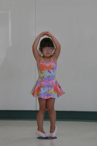 Dova dancing
