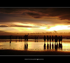 Friends set!! (Manoj Aswathi's Travel& Photography.) Tags: travel friends sunset sky people sun reflection tourism beach clouds kerala karnataka groupofpeople goldenhour udupi keralam malabar beachside seawater godsowncountry friendsset malpebeach malayalikkoottam aswathi233 mtv233 photographymanoj manojphotography