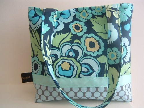 Shannon Bag in Daisy Chain & Full Moon Polka Dots (by poseypatch1956)