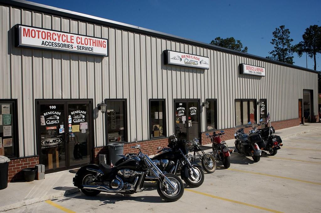 Frontage 7 (Renegade Classics Savannah) Tags: Bike Honda Lights Clothing  Parts Victory Harley