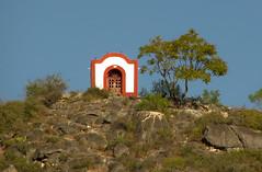 El santo en la punta del cerro (Kurazaybo) Tags: pueblo pueblos sanluispotosi