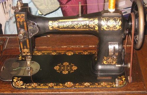 My great grandma's sewing machine