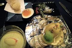 旬の甲殻類3変化 タラバ蟹のロワイヤル仕立て、ブルターニュ産オマール海老を大きなパスタに詰めコライユソースと、手長エビのカダイフ揚げオレンジのエッセンスと
