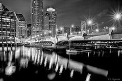 Evelyn Moakley Bridge, Boston, MA (Manu_H) Tags: nightphotography bw usa monochrome boston night skyscraper blackwhite unitedstates noiretblanc massachusetts newengland nighttime nuit fortpointchannel gratteciel nouvelleangleterre longexposition photographiedenuit docksquare da1650 smcpda1650mmf28edalifsdm evelynmoakleybridge expostionlongue