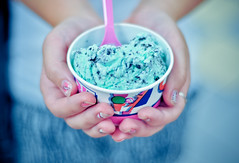 (tyreke.white) Tags: pink blue white 50mm hands nikon