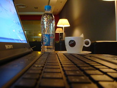 LapTop (SaudiSoul) Tags: water cafe laptop sony latte cappuccino 1882  vergnano