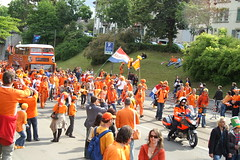 Oranje kommt/The Oranjes are arriving (Rasmus99) Tags: holland netherlands schweiz switzerland suisse euro tm bern 2008 oranje the oranjes euro2008 euro2008tm
