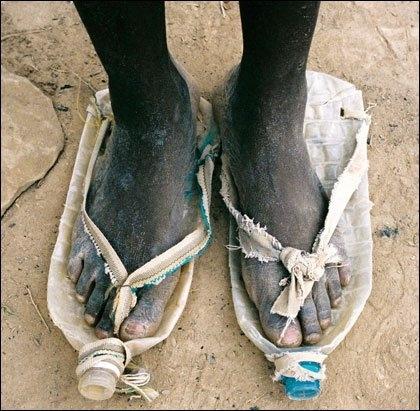 節能減碳穿寶特鞋