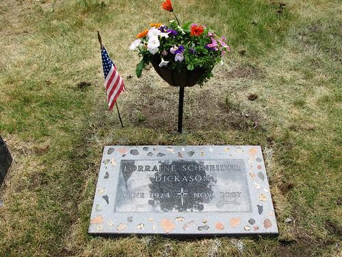 070408_cemetery5