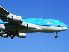 KLM Boeing 747 @ YUL (abdallahh) Tags: canada plane airplane montréal aircraft québec boeing avião klm flugzeug avión boeing747 aereo 747 avion 747400 yul vliegtuig flygplan boeing747400 飛行機 飛機 aeroplano uçak самолёт كندا cyul aerotagged αεροπλάνο 747406 боинг 蒙特利尔 طائرة phbfs 747400m 747406m канада aero:man=boeing aero:series=400 aero:model=747 aero:airline=klm aero:airport=cyul boeing747406m boeing747400m квебек cityofseoul boeing747406 مونتريال монреаль самолëт авион літак μονρεαλ καναδα كيبيك aero:special=m aero:series=406 aero:msn=28195 aero:ln=1090 aero:tail=phbfs μόντρεαλ лiтак repülőgépen