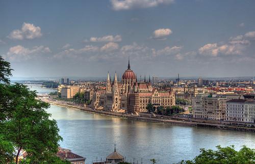 Il Palazzo del Parlamento a Budapest.