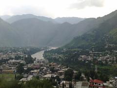 Jhelum Valley, Muzafarabad; Azad Kashmir (Ysa Chandna) Tags: houses pakistan mountains green river village scenic huts valley greenery kashmir bazaar bazar pak azad jhelum muzafarabad