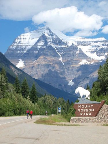 Mt. Robson Goat (Photo by BC Randonneurs Photo Gallery)