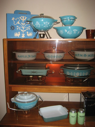 Pyrex Hutch 3