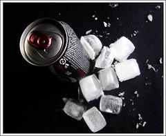 refrescante . (Matteus Oberst) Tags: gelo preto lucas vermelho cocacola zero matteus refrescante