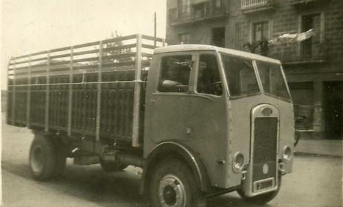 camió Maudslay de TRANSPORTS HOMS a Barcelona