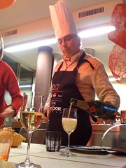 monsieur le chef (Giorgio Montersino) Tags: christmas xmas kitchen dinner table dad alba champagne chef pap moetchandon moet sergiomontersino