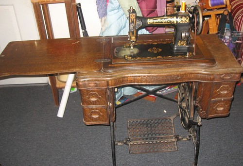 My great grandmother's sewing machine