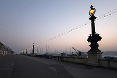 N30295_QuaiMontBlanc_Geneve (aamengus) Tags: sunrise canon schweiz switzerland suisse geneva lac leman genve quai eos300d montblanc genf morgendmmerung efs1022 efs1022mmf3545usm