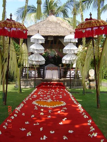 Wedding on frame melia beno balinese wedding decor melia beno balinese wedding decor junglespirit Images