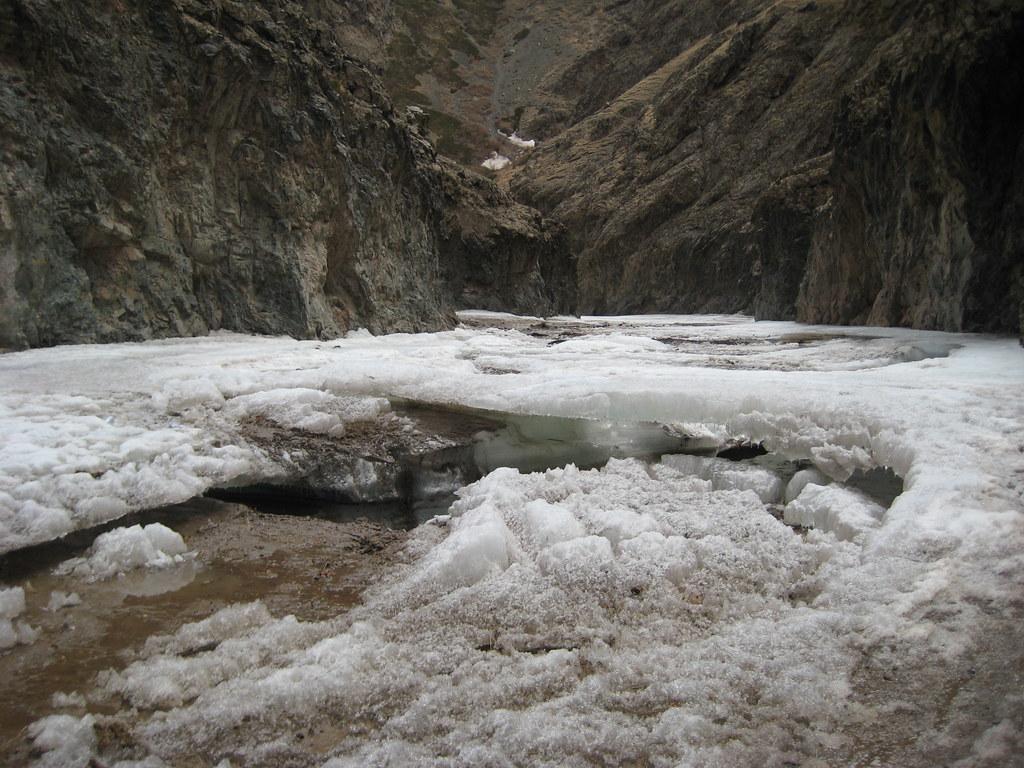 Лед в Йолын-Ам еще не растаял