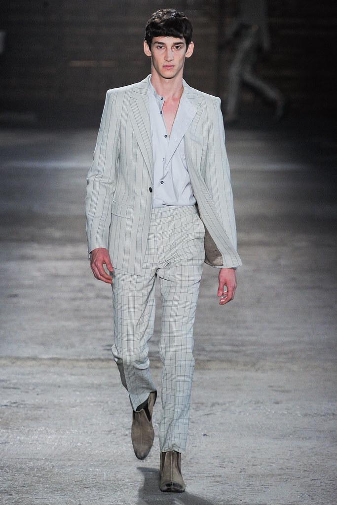 SS12 Milan Alexander McQueen023_Andrey Smidl(VOGUEcom)
