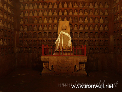 A thousand buddha on the wall room