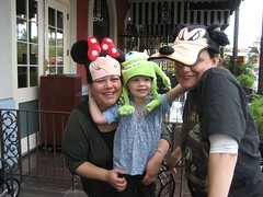 Shel, Liele and Lisa in their birthday hats. (04/19/2008)