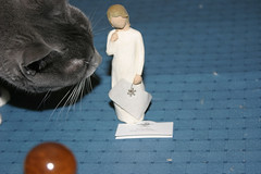 Remembrance Angel with cat