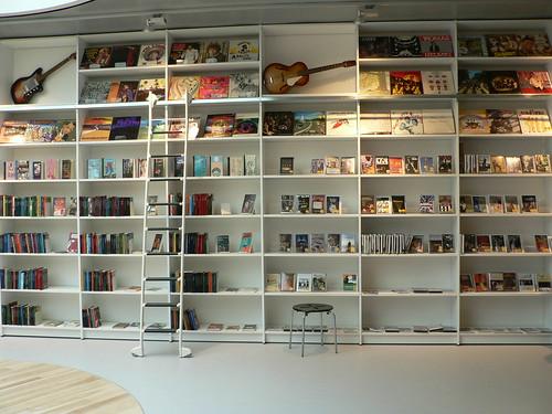 Hjørring Bibliotek: Udstilling -Ungdomsafdeling
