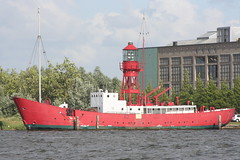 Old Lightship in Amsterdam (vanderveenr) Tags: amsterdam northern riverbank ij lightship noord lichtschip