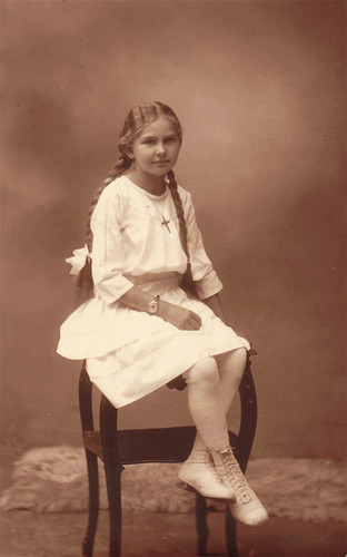 EA 49 Berta Harsch daughter of Maria Sommeregger kl
