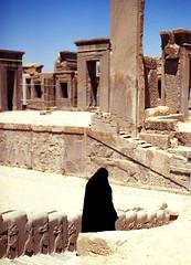 (Tangerinet) Tags: black 645 iran pentax islam slide shiraz persepolis chador