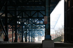 2008Cleveland_156 (emzepe) Tags: bridge blue ohio usa america us steel united cleveland under structure pont oh states amerika brcke 2008 19 hd tavasz kirnduls stahl acier prilis amerikai kk acl egyeslt llamok szleimmel aclszerkezetes aclszerkezet
