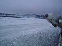 porto (bertishki) Tags: winter sea ice port finland boat helsinki mare ship nave porto inverno ghiaccio