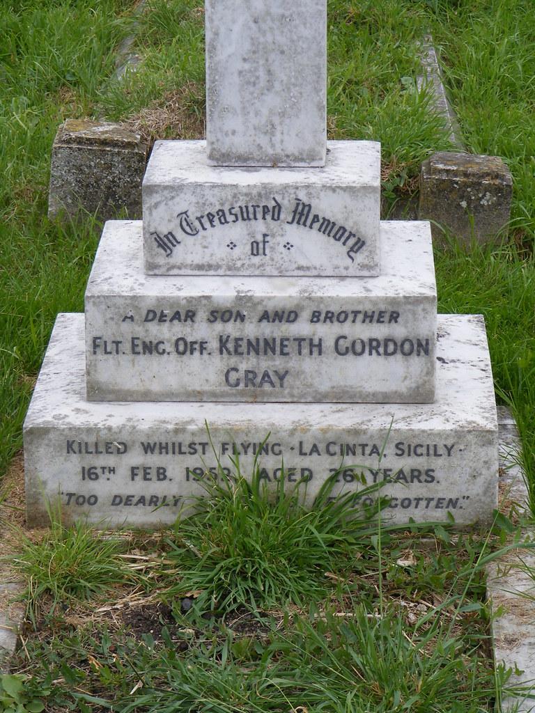 Flight Engineer Officer Kenneth Gordon Gray 1952