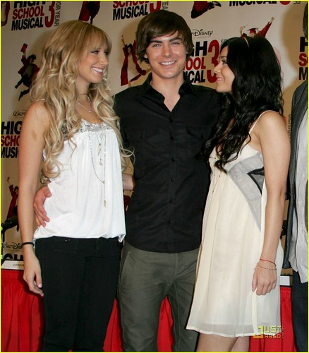 HSM-3-Press-Conference-High-School-Musical-3