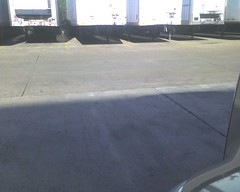 about 35 feet to back into a dock door!! img712 (aortali1375) Tags: shozu truck dangerous texas houston kroger kllm