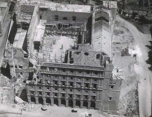 Foto aérea del Alcázar en reconstrucción hacia 1955-60. Cortesía de Carlos Herrera.