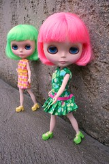 Bean & Andie (cybermelli) Tags: pink haircut green sisters hair doll cut peony correct amaryllis blythe bangs prima dolly limited edition gaze takara corrected rbl bobbed primadolly